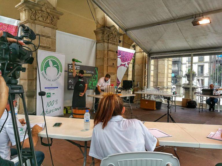 streaming del campeonato oficial de escanciadores de Asturias